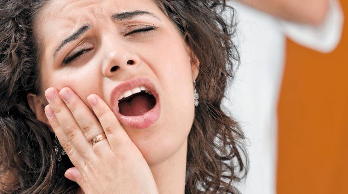 【親知らず抜歯後の過ごし方】食事・歯磨き・運動の注意点を歯科医師が解説